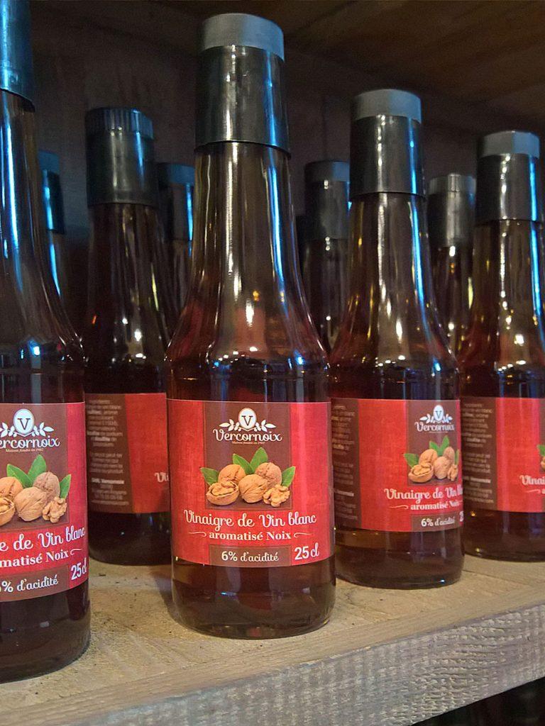 bouteille-vinaigre-aux-noix